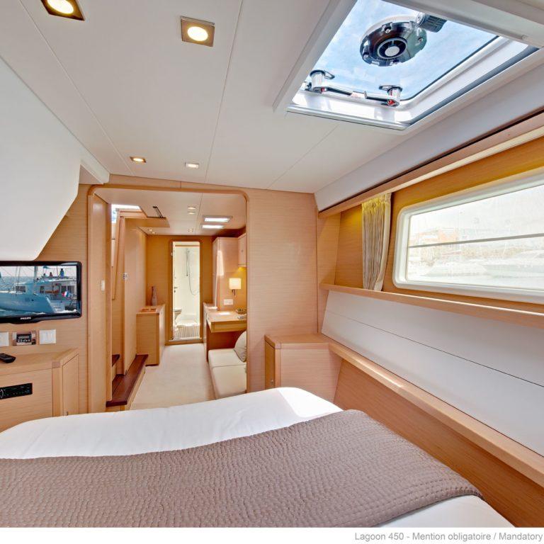 450f_bedroom